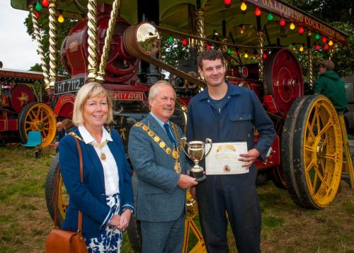 Award: Best Showman's Steam TractorOwner: Thwaites FamilyExhibit: The Mighty Atom