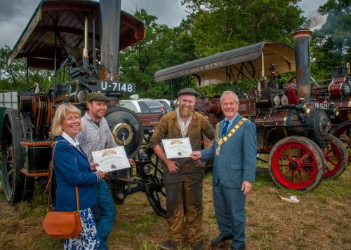 Award: Best Steam TractorOwner: Richard Metcalfe / Chris ArrowsmithExhibit: Fowler 15625 U-7148 / Ikanopit